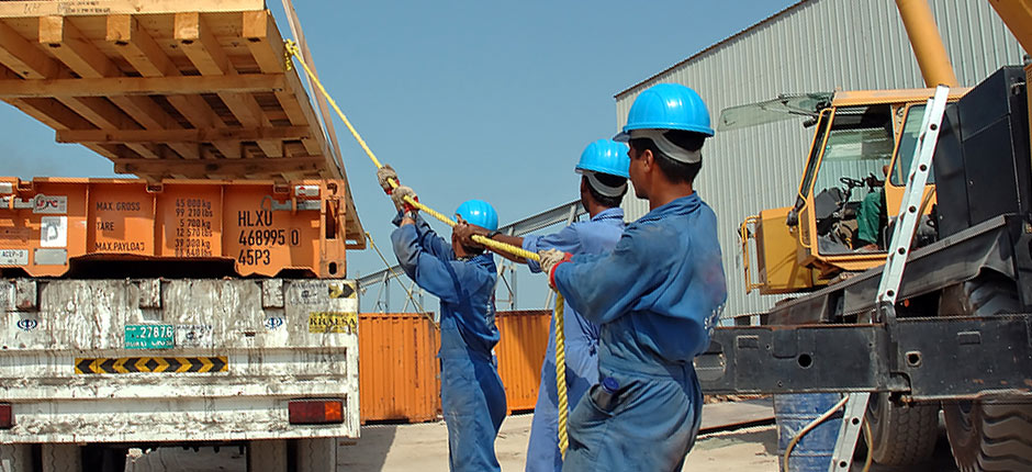 Transloading and rigging awl
